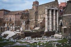 Den gamla antikviteten fördärvar i Rome royaltyfria bilder