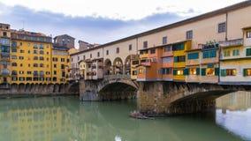 Den gamla bron i Florence Royaltyfria Bilder