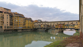 Den gamla bron i Florence Royaltyfri Fotografi