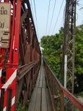 Den gamla bron i Luang Prabang royaltyfria foton