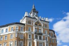 Den gamla byggnaden på den Sretensky boulevarden i Moskva, Ryssland Royaltyfria Bilder