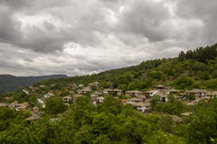 Den gamla byn Leshten Royaltyfri Fotografi