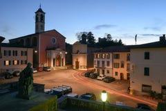 Den gamla centrala fyrkanten av Stabio på Schweiz Royaltyfria Foton