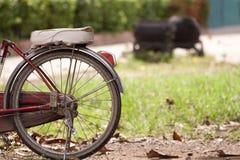 Den gamla cykeln. Fotografering för Bildbyråer