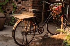 Den gamla cykeln Royaltyfria Foton