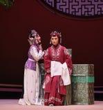 """Den gamla damen erbjöd till-Kunqu västra Chamber†för opera""""the  Arkivfoto"""