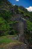 Den gamla fästningen av Kotor den medeltida staden Är en delUNESCOvärldsarv Royaltyfri Bild