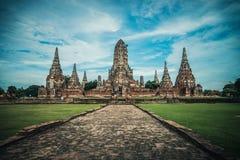 Den gamla förstörda forntida templet i den Ayutthaya staden Arkivbild