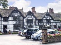 Den gamla Hallen i den pittoreska staden av Sandbach i södra Cheshire England Royaltyfri Bild