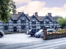 Den gamla Hallen i den pittoreska staden av Sandbach i södra Cheshire England Arkivbilder