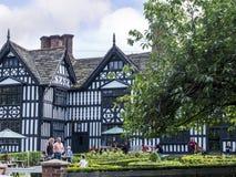 Den gamla Hallen i den pittoreska staden av Sandbach i södra Cheshire England Royaltyfria Bilder