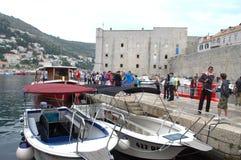 Den gamla hamnen på Dubrovnik Arkivfoto
