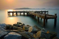 Den gamla hamnen på soluppgång Royaltyfri Foto