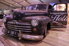 Den gamla jätte- bilen som skiner fortfarande Royaltyfri Foto