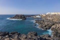 Den gamla kanariefågeln för Las Palmas för hamnhamnEl Cotillo Fuerteventura är Arkivfoton