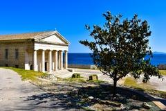 Den gamla panteon, nu en kyrka, i den venetian fästningen i Korfu Royaltyfri Bild