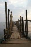 Den gamla pir för fartyg gjorde ‹för †av bambu, Cochin, Kerala, Indien Arkivfoto