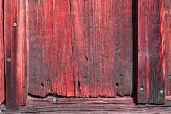 Den gamla röda wood texturen med naturliga modeller Arkivbild