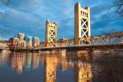 Den gamla Sacramento bron Arkivbild
