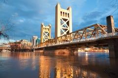 Den gamla Sacramento bron Arkivfoton