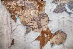 Den gamla sjaskiga målarfärgen skrapas Royaltyfri Bild