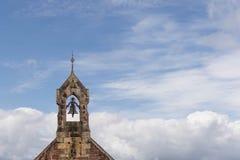 Den gamla skotska kyrkliga Klockan Arkivbilder