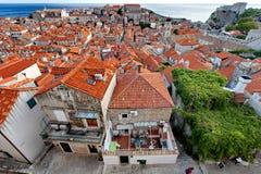 Den gamla staden av Dubrovnik från fästningväggen på solnedgången, Dalmatia, Kroatien Arkivfoton