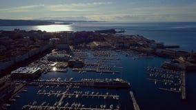 Den gamla staden av Trieste i Italien Sikt från surret på mitten av den gamla staden och marina lager videofilmer