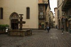 Den gamla staden i Bergamo, Italien arkivbild