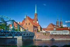 Den gamla staden klippte vid den Odra floden, Polen Royaltyfri Foto