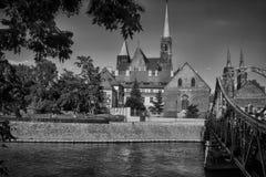 Den gamla staden klippte vid den Odra floden, Polen Fotografering för Bildbyråer