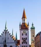 Den gamla stadshusarkitekturen i Munich Arkivbilder