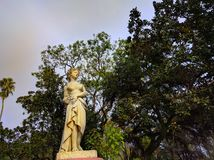 den gamla statyn i argentinian fördärvar arkivbild
