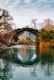 Den gamla stenbron Arkivbilder