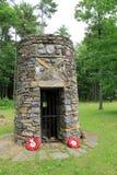 Den gamla stenstrukturen som är bekant, som svart, håller ögonen på, var striden för fortklockspel slåss i 1758, fortet Ticondero Arkivbilder