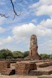 Den gamla stentemplet i Thailand Royaltyfria Bilder