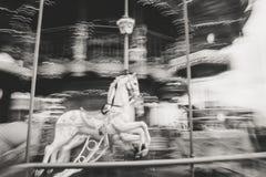 Den gamla tappningkarusellen i Tibidabo parkerar i Barcelona Fotografering för Bildbyråer