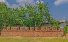 Den gamla väggen av Kanchanaburi, Thailand Arkivfoton