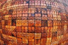 Den gamla väggen som modeller för keramiska tegelplattor handcraft inre backgound från Thailand, parkerar offentligt royaltyfri foto