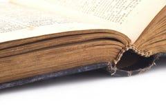 den gammala boken öppnar Royaltyfri Bild