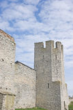 fästningen står hög i Visby Sverige arkivbilder