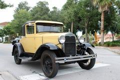 Den gammala Ford bilen Royaltyfri Fotografi