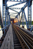 Den gammala järnbron Royaltyfri Bild