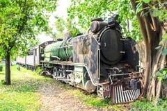 Den gammala lokomotivet Arkivfoton