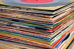 den gammala stapeln registrerar vinyl royaltyfri fotografi