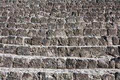 Den gammala stentrappan texturerar Royaltyfri Bild