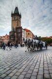 Den gammala townen kvadrerar i Prague Royaltyfri Fotografi
