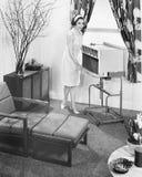 1963 den General Electric Porta-vagn luftkonditioneringsapparaten (alla visade personer inte är längre uppehälle, och inget gods  Arkivfoton