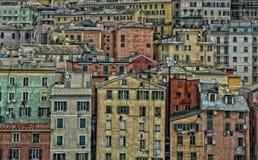 Den Genua hamnen inhyser cityscapepanorama Arkivfoton