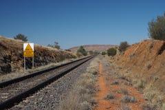 Den Ghan järnvägsspåret från Darwin till Alice Springs Arkivfoto